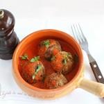 Chiftelute de naut cu sos de rosii aromat
