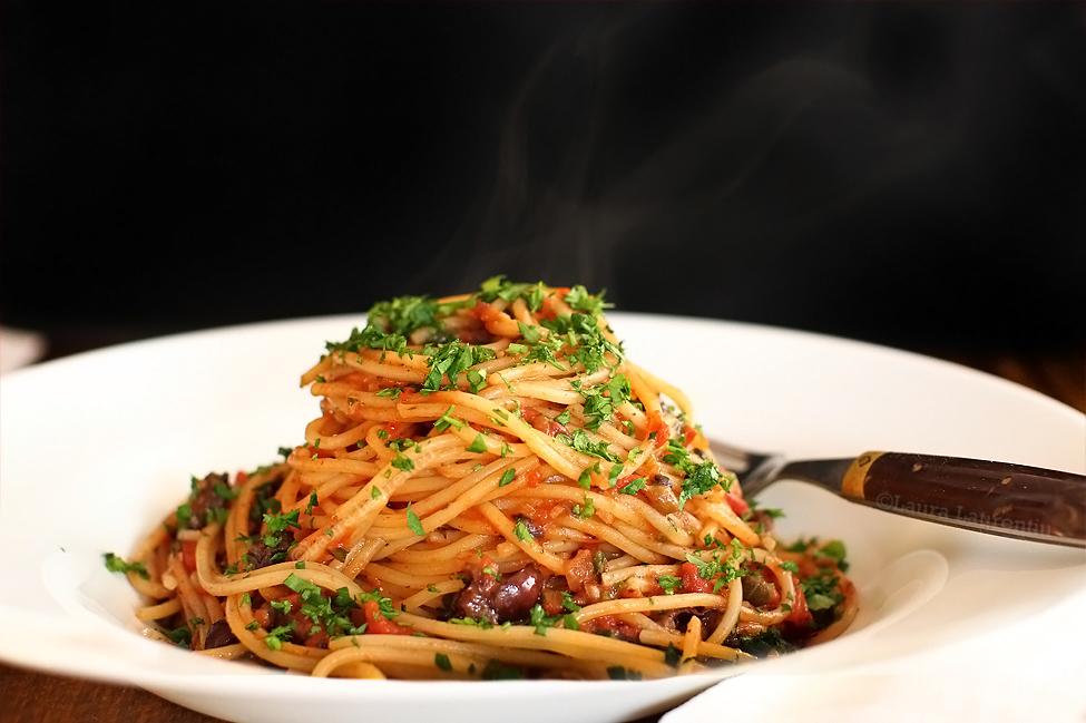 reteta spaghetti putanesca