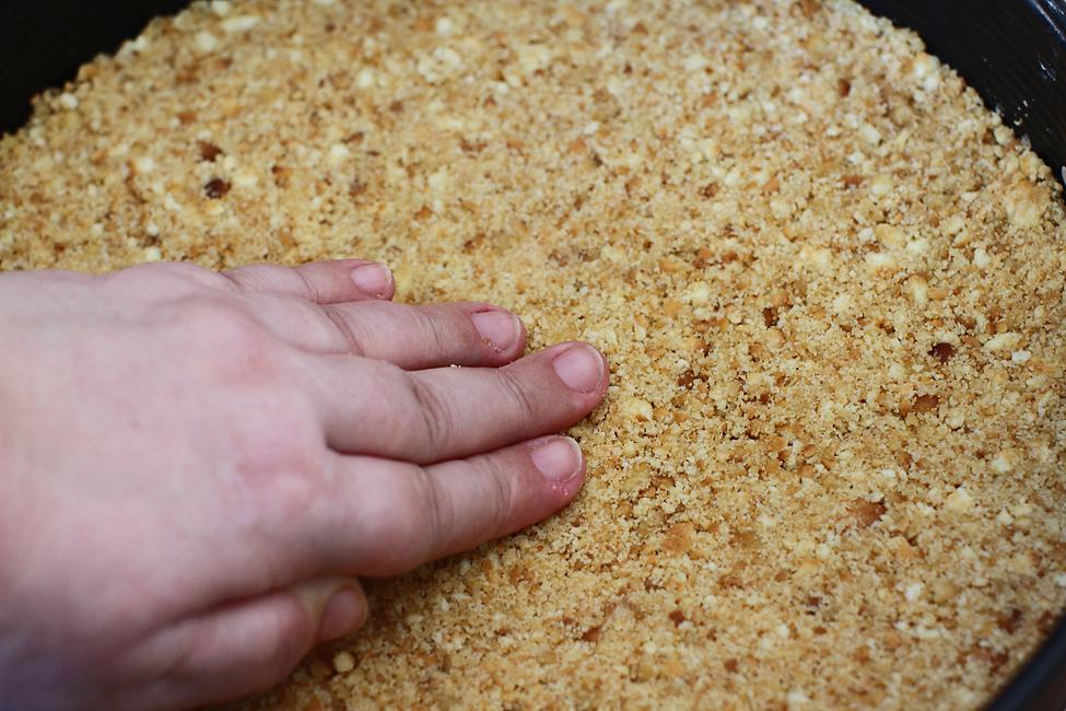 preparare 2 blat de biscuiti pt cheesecake fara coacere
