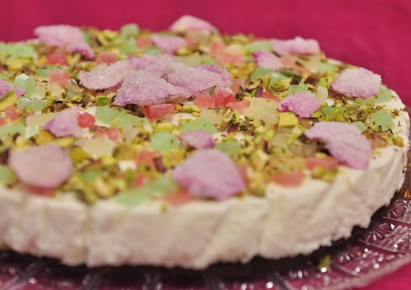 Oaspeti in bucatarie: Bianca Lontras – Turkish Delight Cheesecake by Simona Cirmu