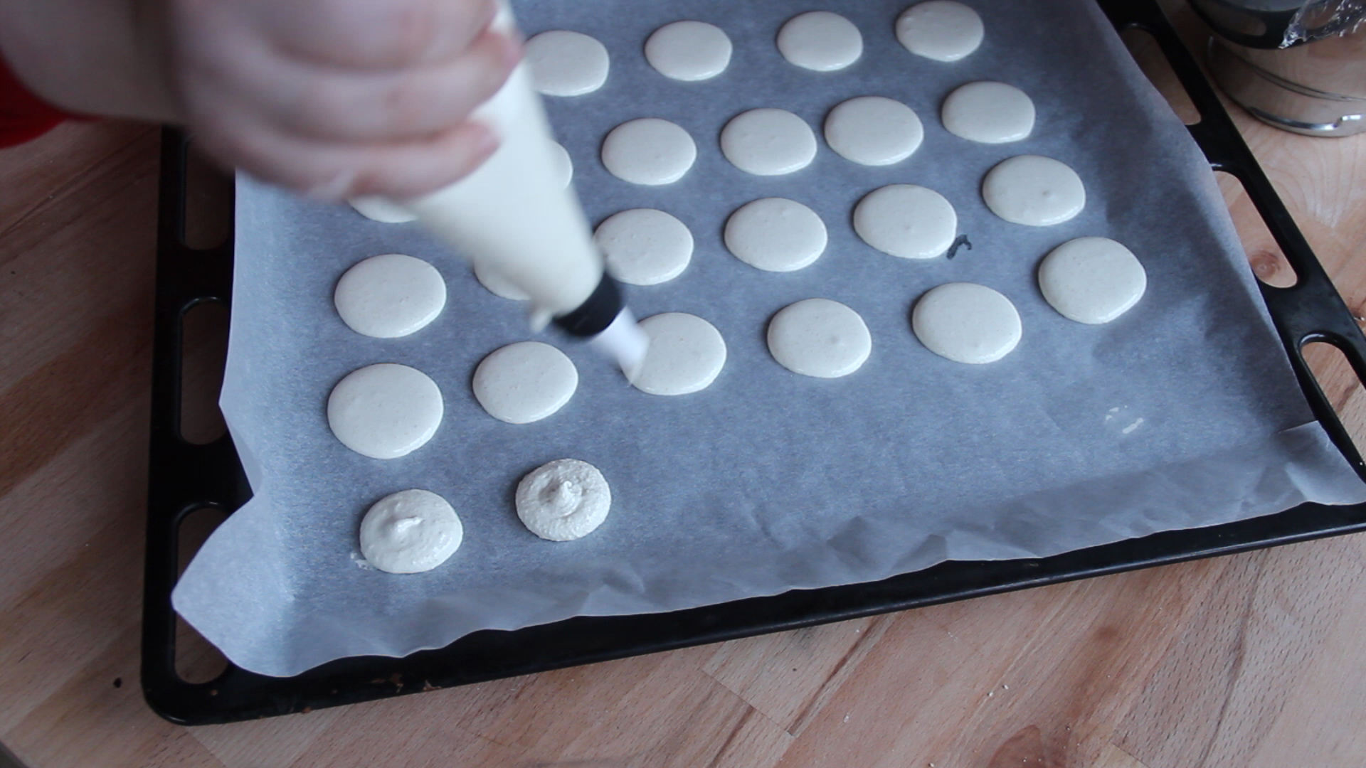 Preparare Macarons cu crema de lamaie 11