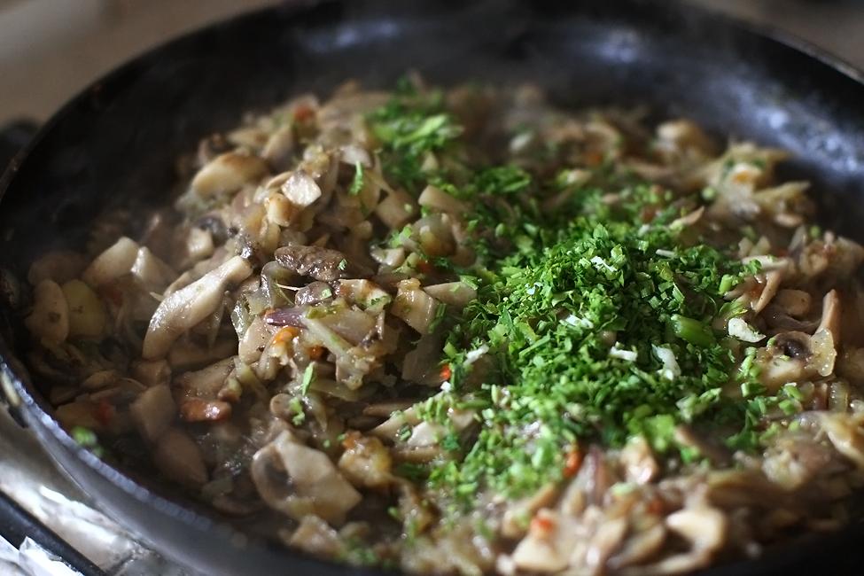 Preparare Strudel vegan cu ciuperci 7
