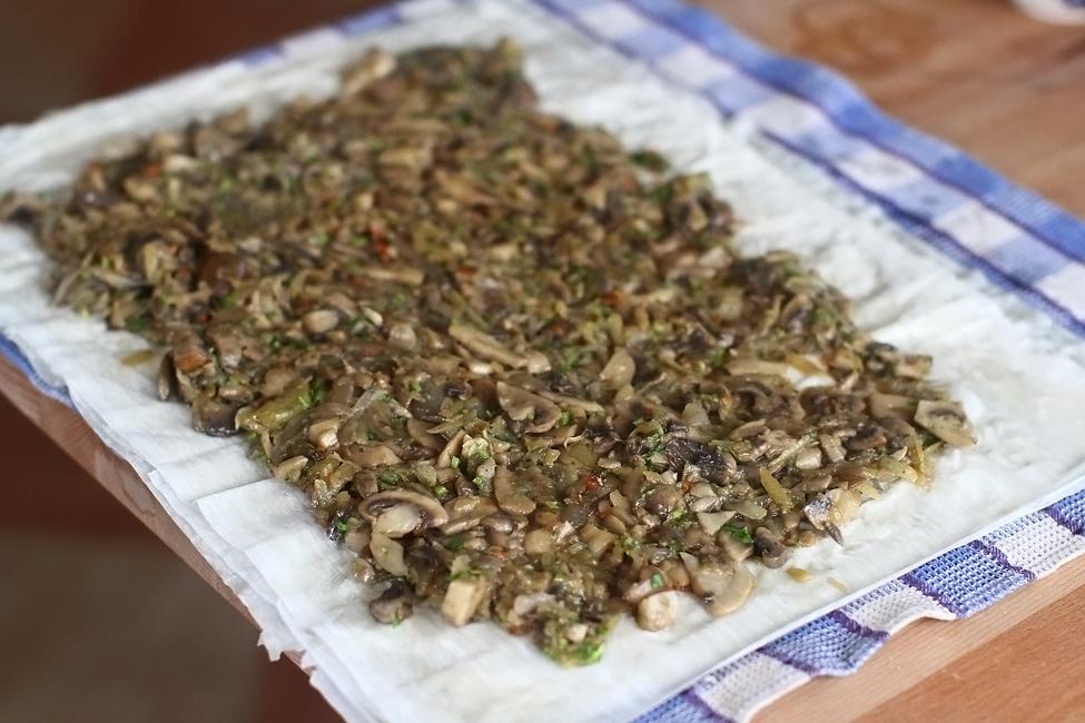 Preparare Strudel vegan cu ciuperci 6