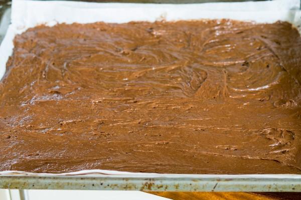 Tort cu ciocolata, nectarine si migdale (2)