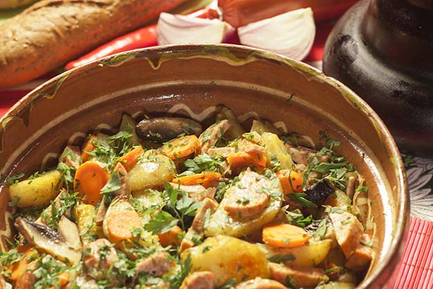 mancare de post cu cartofi si ciuperci la cuptor