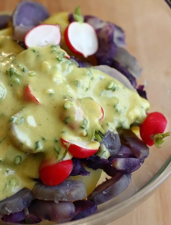 salata de cartofi cu ridichi preparare 3