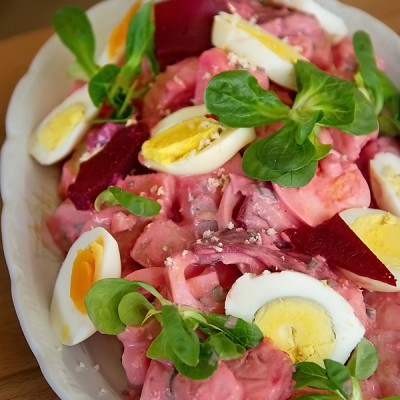 Salata de cartofi cu oua fierte