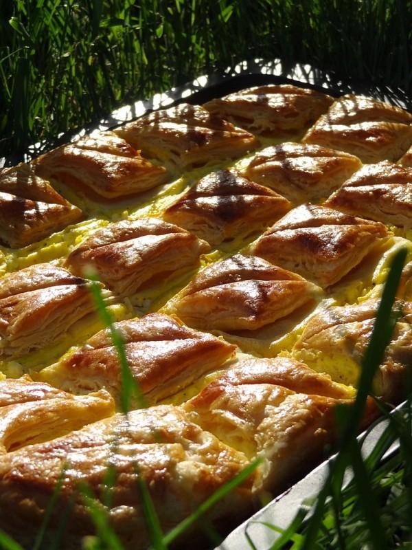 Aluat foietaj – Placinta cu branza si urda de Miron Constantin si Diana