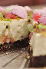 Oaspeti in bucatarie: Bianca Lontras – Turkish Delight Cheesecake de Simona Cirmu