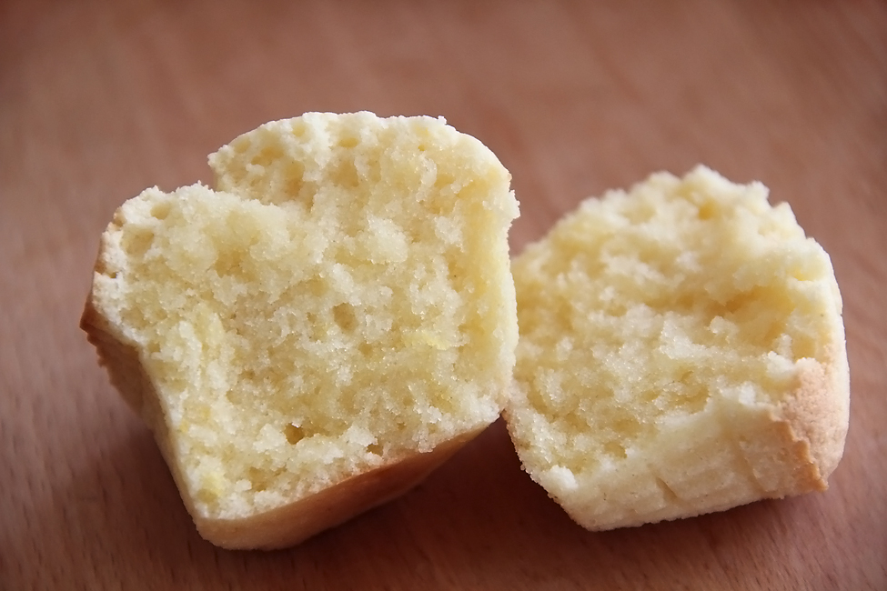 cupcakes cu capsuni preparare 6