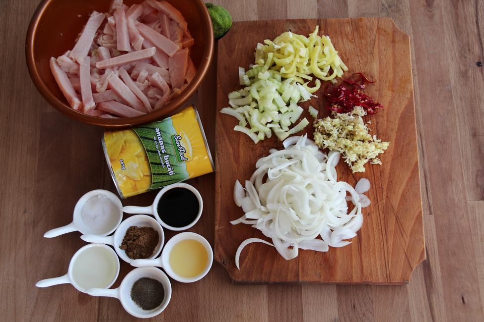 ingrediente curcan la tigaie in sos de ananas 1