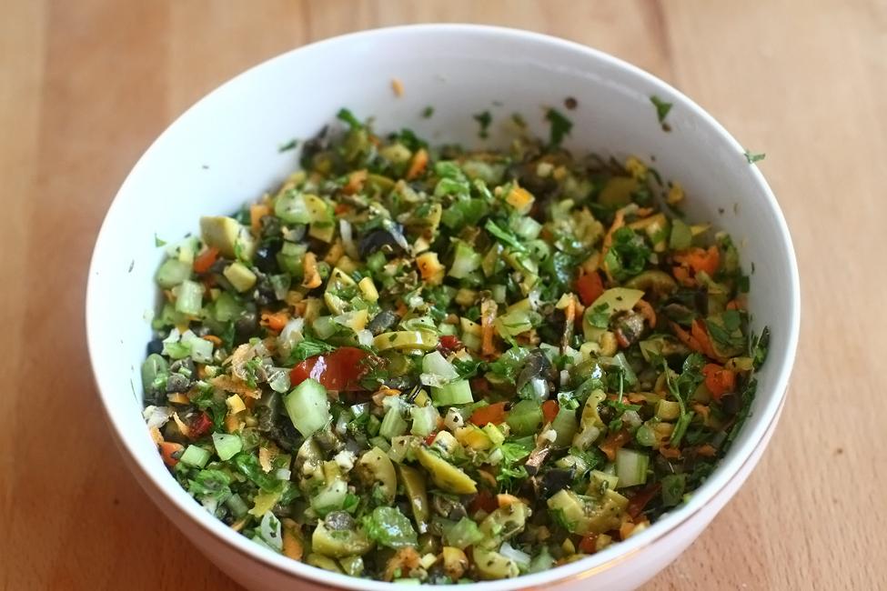 muffuletta sandwich, salata creola 2