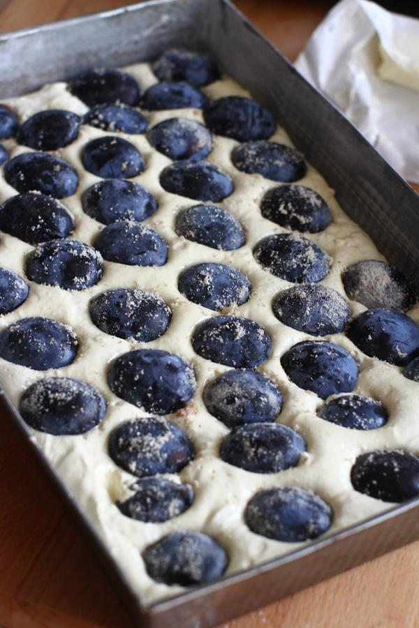 prajitura cu prune reteta laura laurentiu- preparare