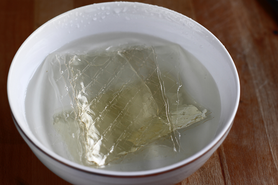 gelatina hidratata, tort de mere si nuca retetecalamamaro