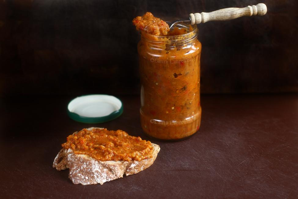zacusca de vinete cu morcovi-2