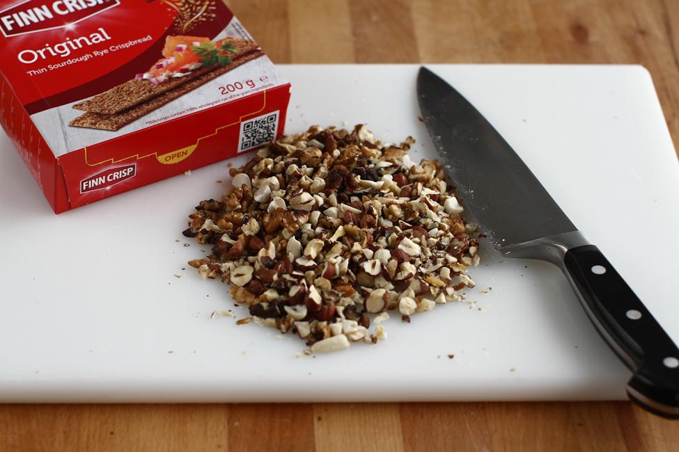 batoane crocante cu nuci si finn crisp 1