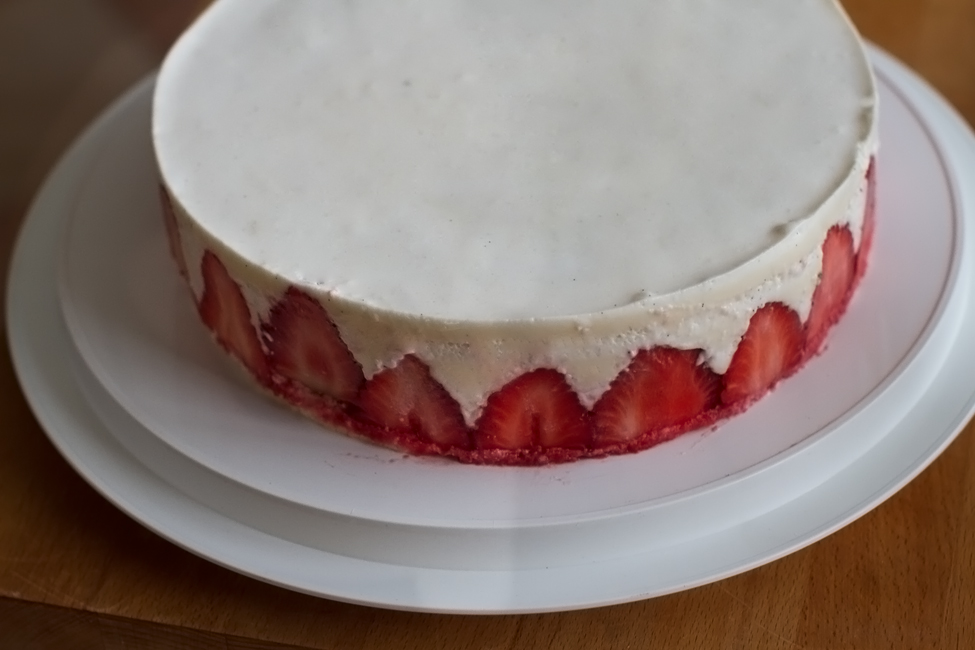 tort cu capsuni si panna cotta retetecalamama - asamblare 4