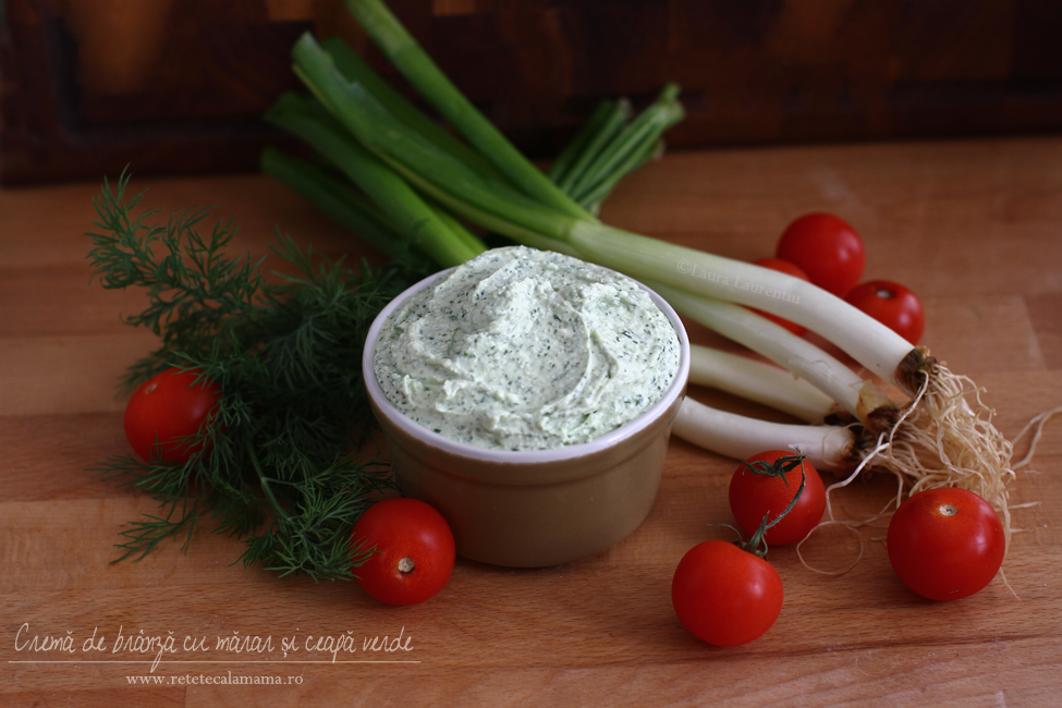 Cremă de brânză cu mărar și ceapă verde