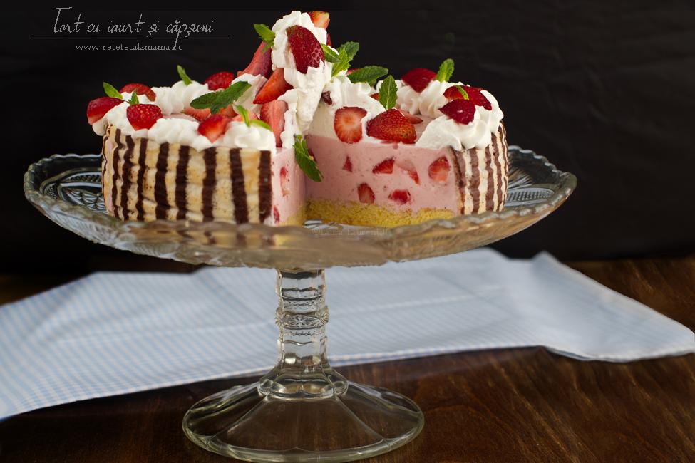 Tort cu iaurt și căpșuni, rețetă video