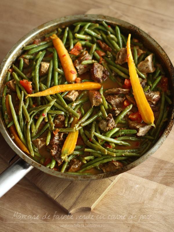 mancare de fasole verde pastai cu carne de porc la tigaie - retetecalamamaro