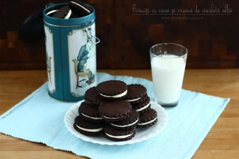Biscuiți cu cacao și cremă de ciocolată albă, rețetă video