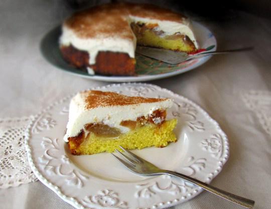 Prăjitură cu mere caramelizate și brânză dulce