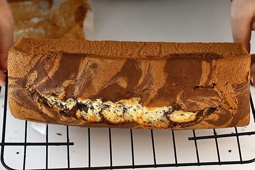 chec pufos-si-economic-cu-cacao-reteta-video-pas-cu-pas-racirea-checului