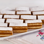 """Prăjitura cu foi cu miere de albine """"Albinița"""", rețetă video"""