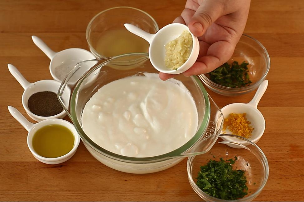 pulpe de pui marinate in iaurt la cuptor preparare 3