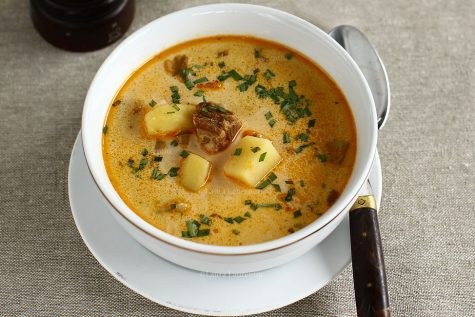 Ciorbă de cartofi cu afumătură și tarhon, ca în Ardeal