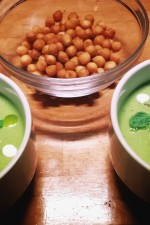 Supa crema de mazare cu oua de prepelita de alinatoma