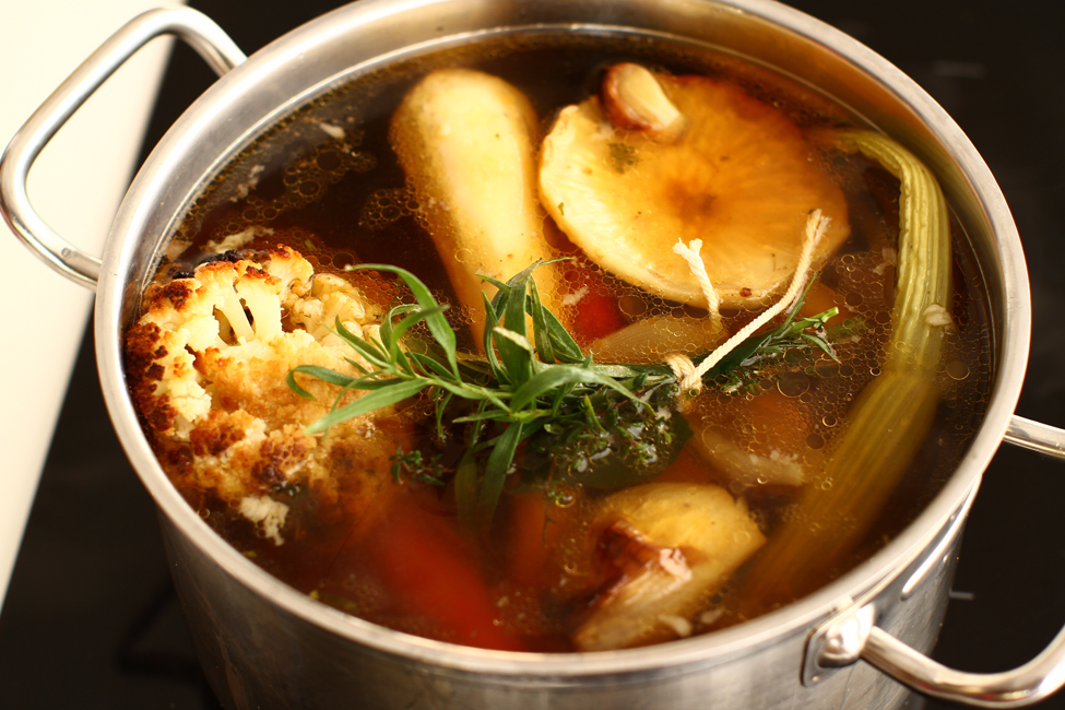 supa-de-carne-si-legume-coapte-reteta-reinterpretata-de-ciorba-de-burechite