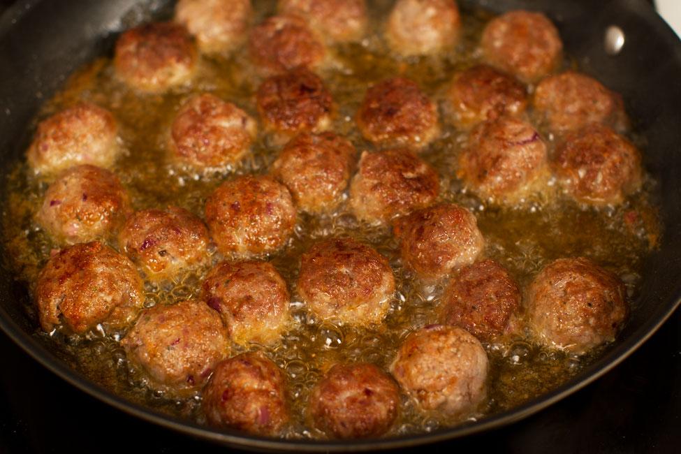 chiftele-in-sos-de-mustar-si-smantana-reteta-pas-cu-pas-mod-de-preparare-4-retetecalamamaro