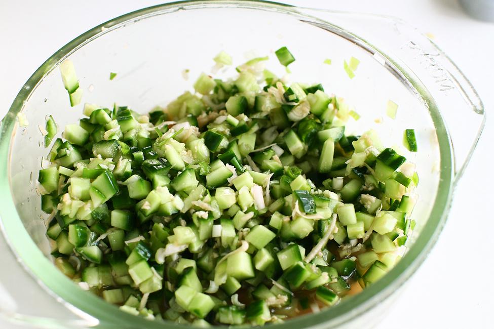 botvinya castraveti cu ceapa verde