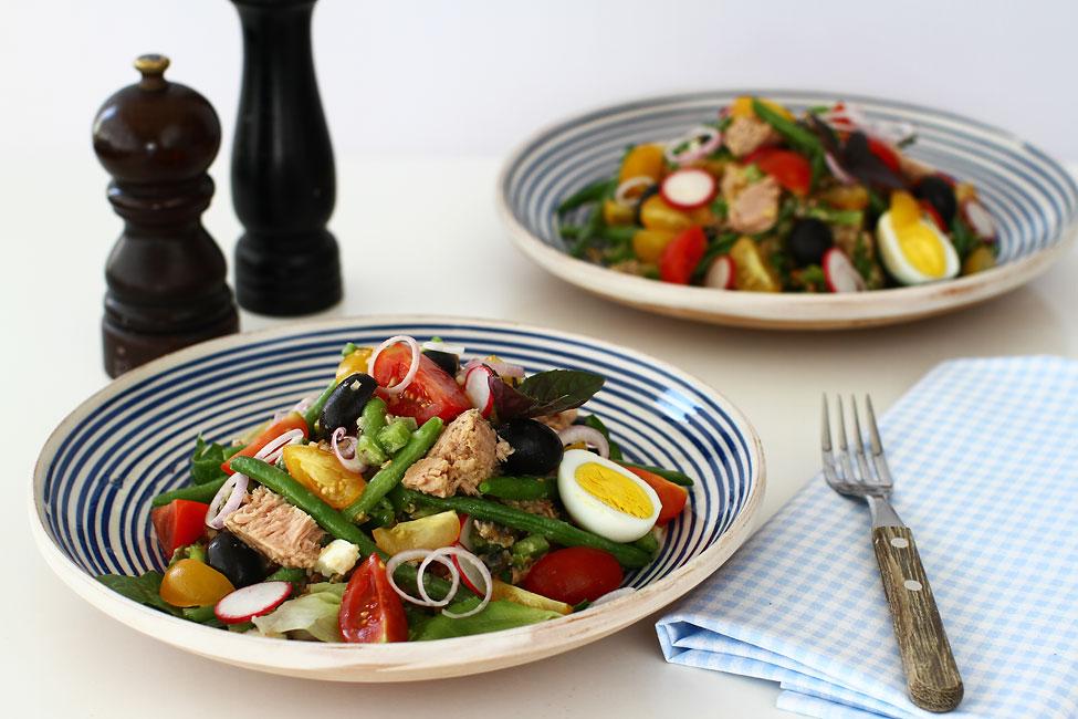 """Salată cu ton în stil """"Niçoise"""""""