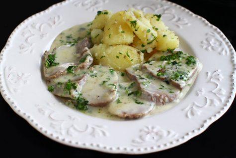 limba-de-vita-cu-sos-de-smantana-reteta-culinara-cum-se-gateste-limba-de-vita