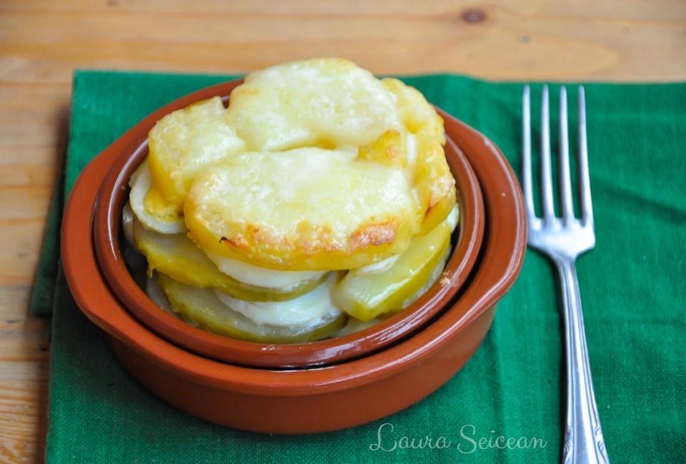 Cartofi franțuzești la cuptor - rețetă simplă