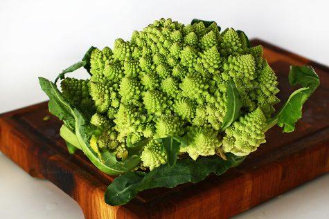 Conopida sau broccolo romanesco, ce este și cum îl folosim