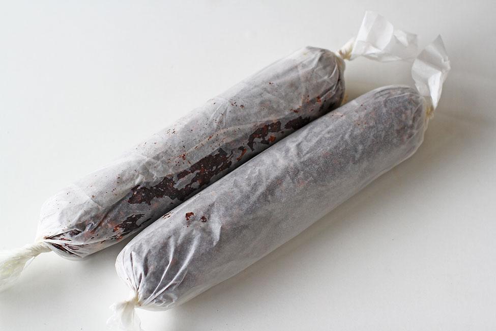 salam-de-biscuiti-de-post-reteta-cu-poze-batoanele-modelate