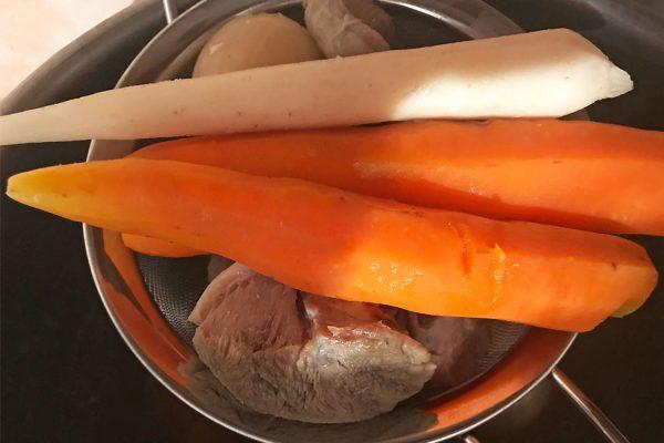 salata-de-boeuf-carne-si-zarzavaturi-fierte