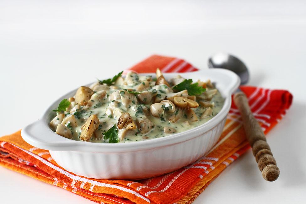 Salată de ciuperci cu maioneză și usturoi - rețetă simplă