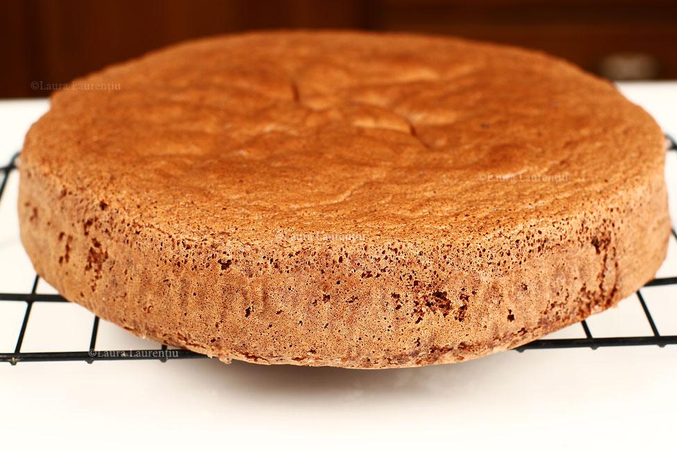 tort-padurea-neagra-cu-ciocolata-si-visine-reteta-pas-cu-pas-blat-cu-cacao