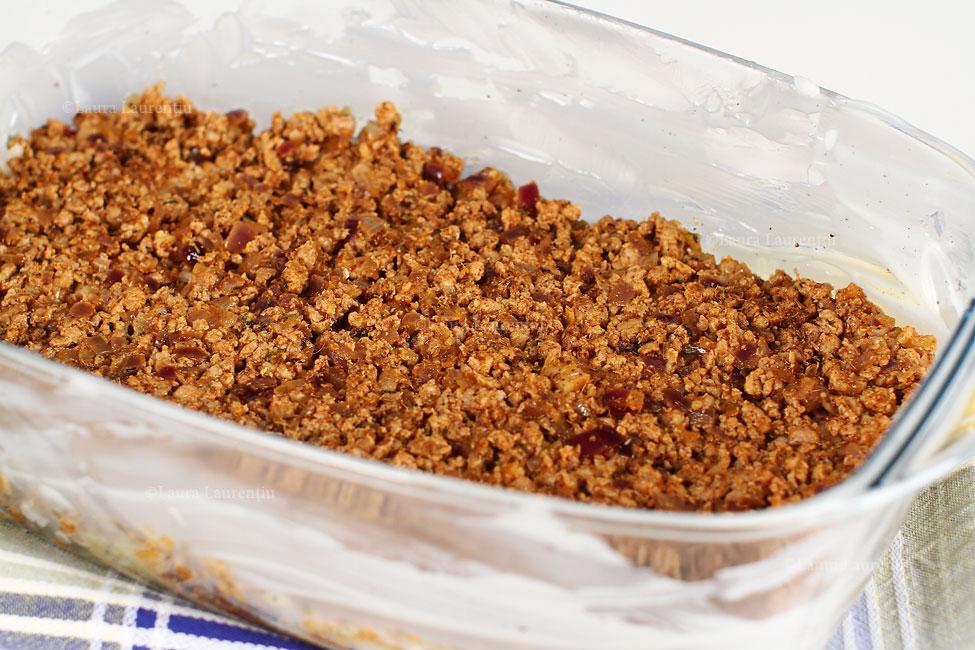 varza-a-la-cluj-asamblare-stratul-3-carne-condimentara-reteta-varza-a-la-cluj-cu-poze