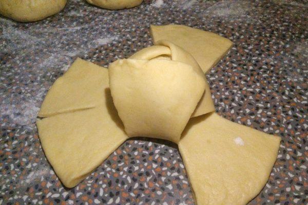 branzoaice cu branza sarata branzoaice aperitiv asamblare pas cu pas