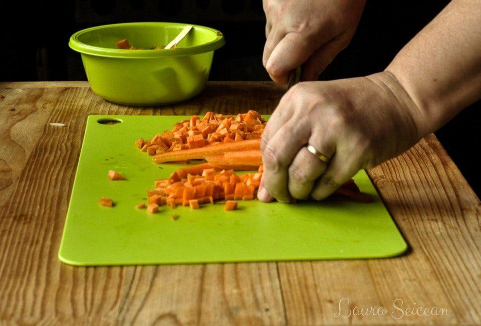 ciorba de fasole boabe de post preparare taierea morcovilor