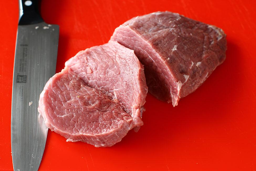 snitel-vienez-reteta-pas-cu-pas-snitel-vienez-de-vitel-in-pesmet-reteta-autentica-portionare-carne-de-vitel
