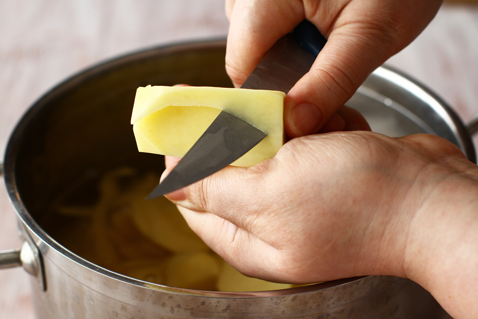 taierea cartofilor chateau pentru paturata pe crumpi