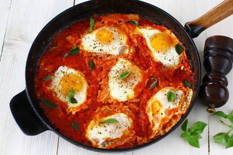 oua in sos de rosii reteta pas cu pas oua in sos de rosii reteta delicioasa pentru micul dejun