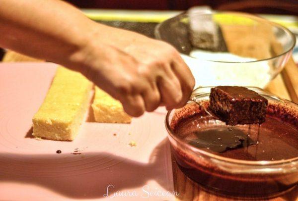 prajitura tavalita in cocos insiropare