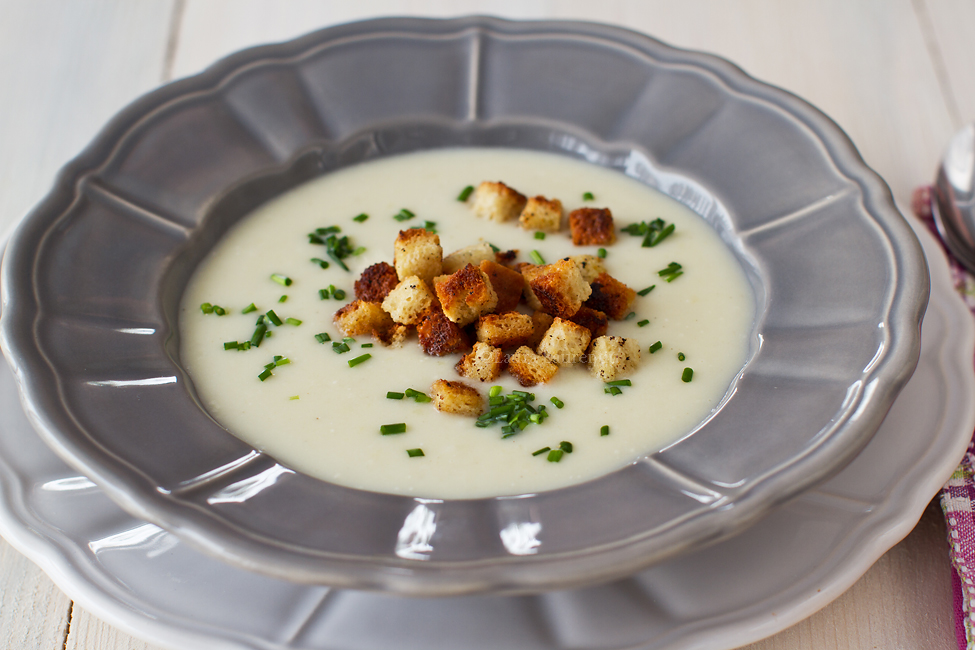 supa crema de conopida reteta video pas cu pas supa crema de conopida in farfurie